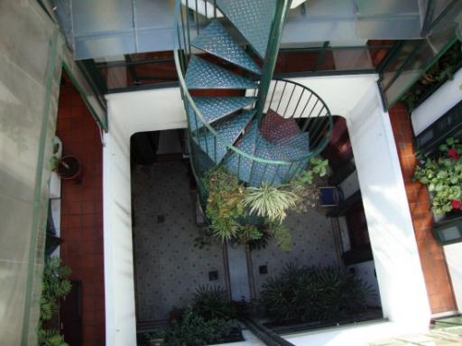 De trap van beneden dakterras foto bernice goes asia - De trap van de bistro ...