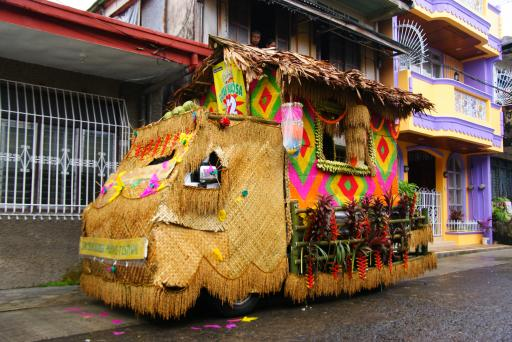 Carosa versieren van een vervoermiddel foto filipijnen 2009 - Versieren van een smalle gang ...