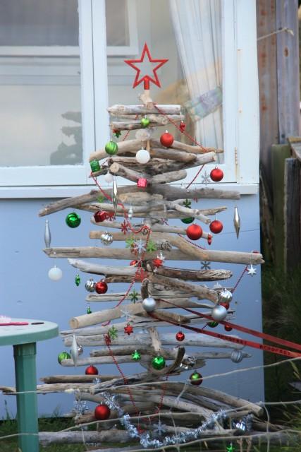 kerstboom van drijfhout   Foto   Globetrotters op leeftijd u2019s reisblog