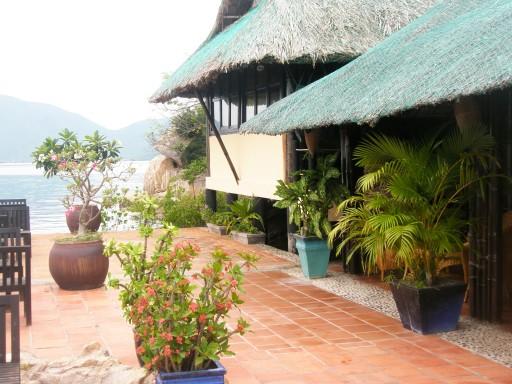 Terras met overdekt gedeelte en recreatieruimte foto ron en marjo in vietnam - Foto sluit een overdekt terras ...