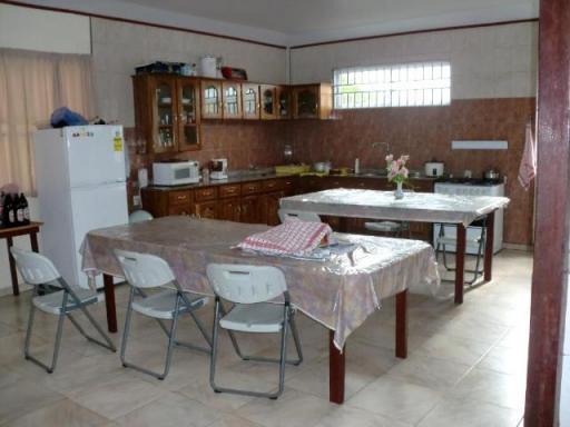 Eetkamer keuken foto lize in suriname - Foto eetkamer ...