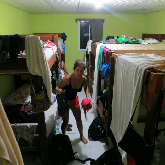 Kamer 10 meisjes in een kamer is een beetje teveel van het goede foto sarah de pauw s - In een kamer ...